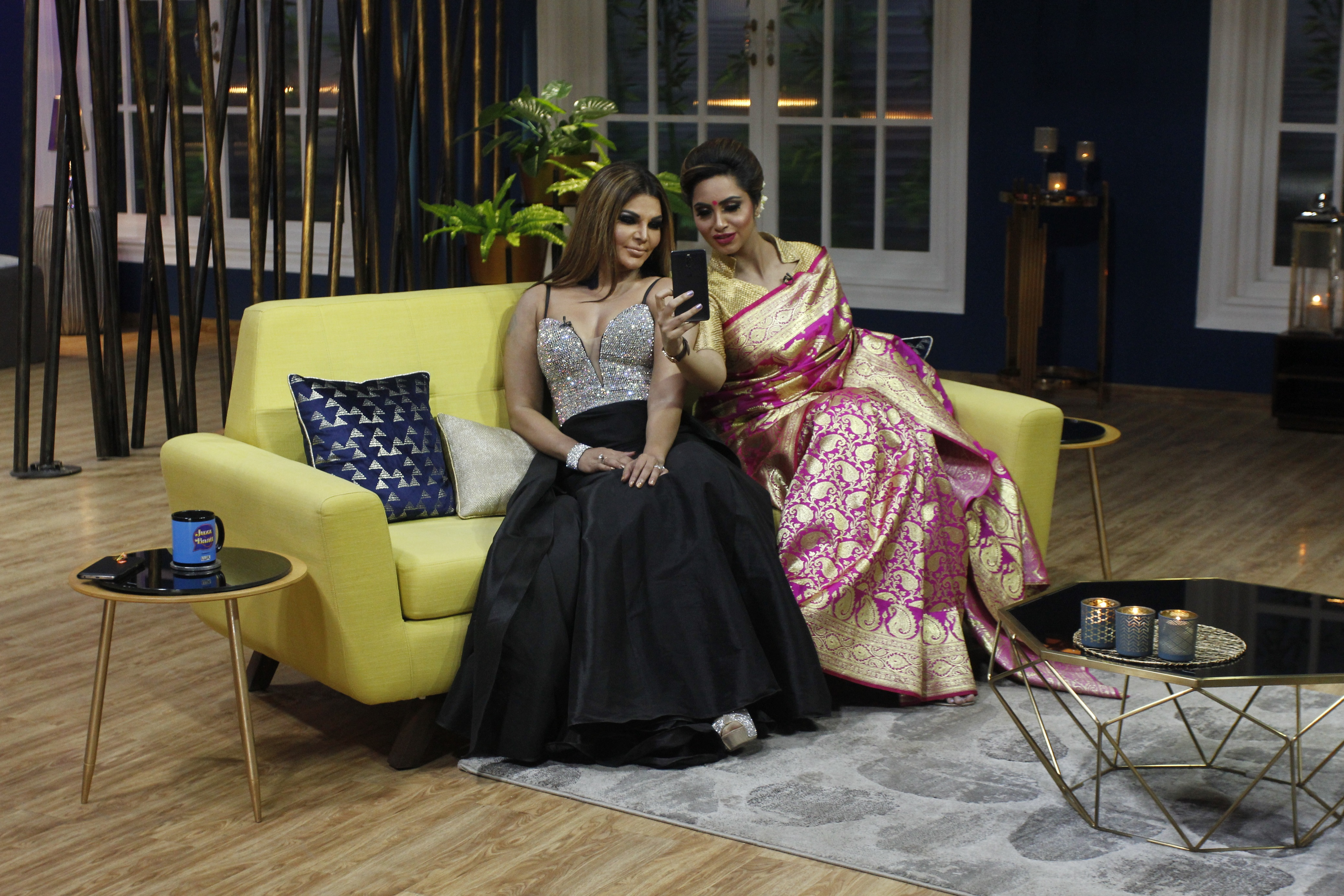 Rakhi Sawant and Arshi Khan on sets of JuzzBaatt